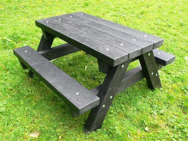 Ribble Junior Picnic Table - Recycled Plastic - Heavy Duty - Kedel.co ...