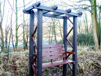 Arbor with Bench - Recycled Plastic
