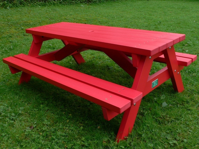 derwent recycled plastic picnic table | picnic bench education