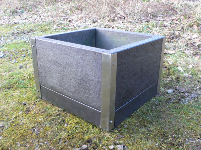 Recycled Plastic Planter H 400mm Reinforced With Stainless Steel