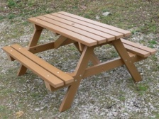 Thames Picnic Table | Recycled Plastic