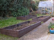 recycled mixed plastic raised beds